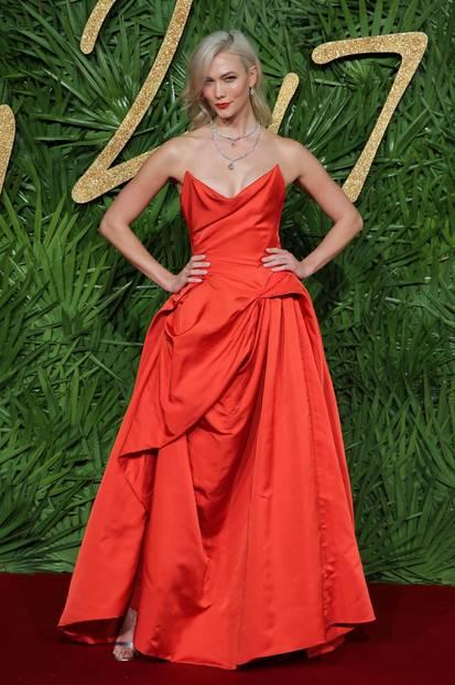 Fashion Awards 2017: Karli Kloss auf dem Roten Teppich
