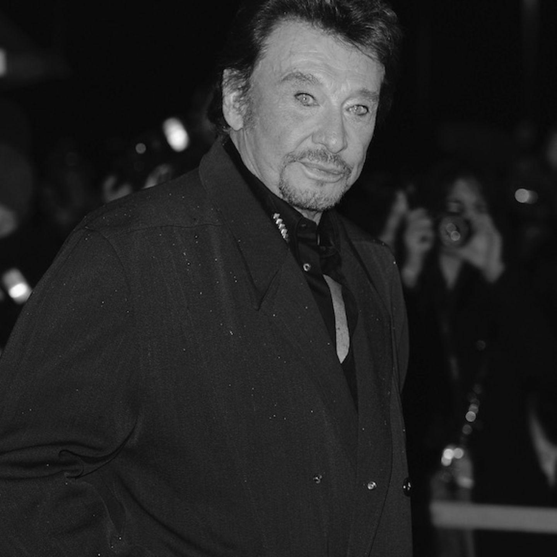Er gehörte zu den größten Musikern Frankreichs und wurde als Rock- und Schlagersänger zu einer Legende. Am 6. Dezember ist Johnny Hallyday im Alter von 74 Jahren an Krebs gestorben.