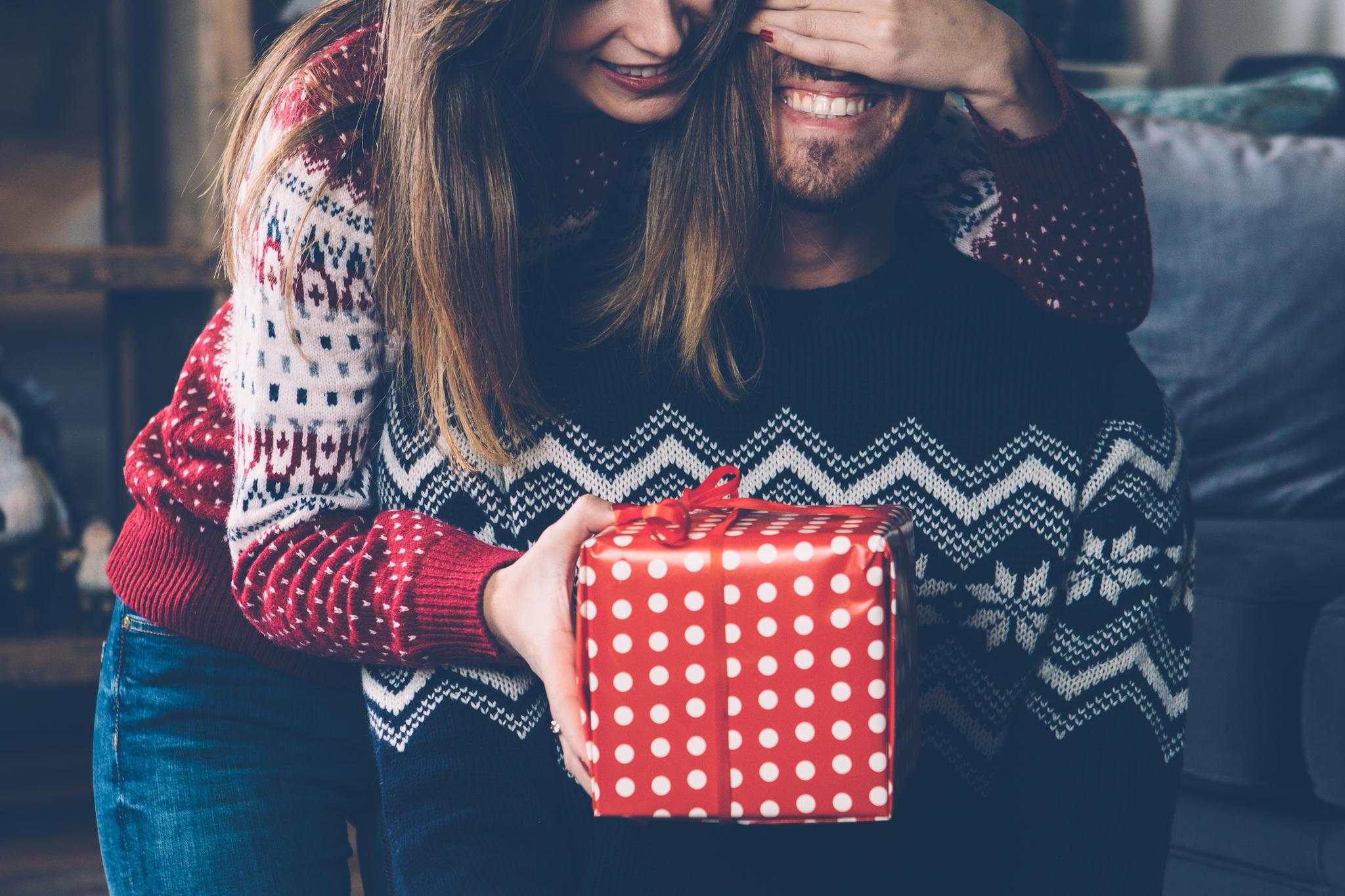 Weihnachtsgeschenke für Männer: Damit liegt ihr richtig | BRIGITTE.de