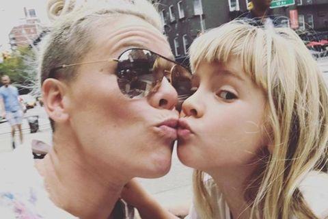 Sängerin Pink und Tochter Willow bei Instagram