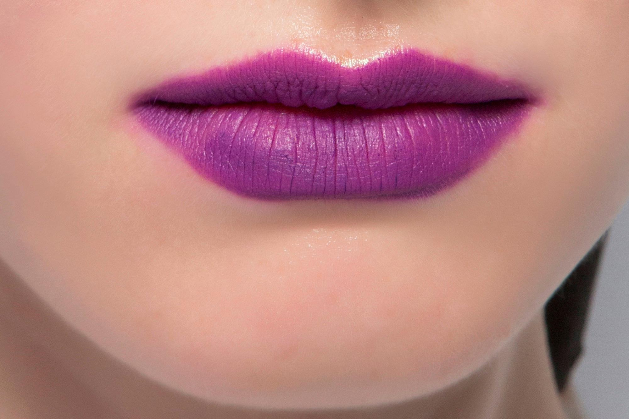Lila Lippenstift