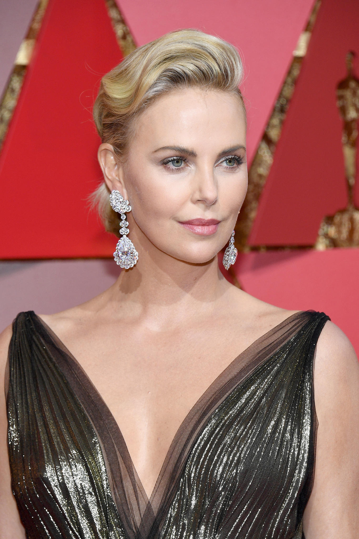 Charlize Theron im Portrait