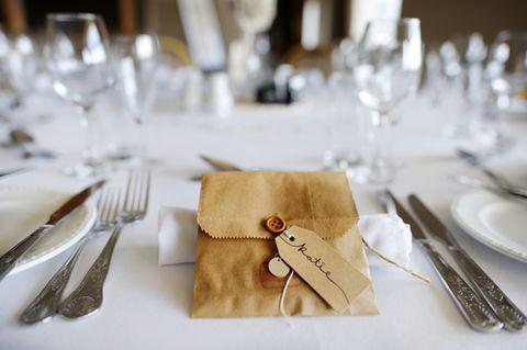 Tischkarten basteln: So einfach machst du sie selbst