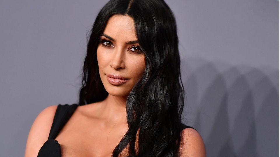 Kim Kardashian präsentiert neuen Beauty-Trend