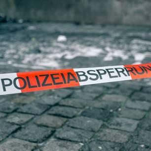 Polizei, Absperrung, Winter
