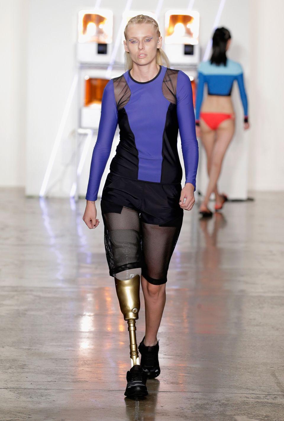 Model verliert beide Beine - weil es Tampons benutzt hat