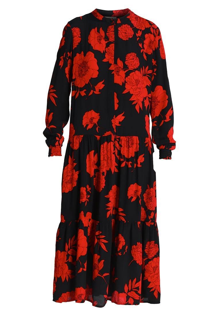 Valentinstag Outfit: Maxikleid von Moss Copenhagen