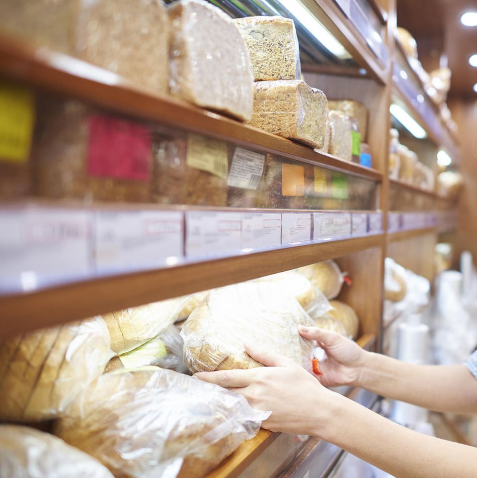 Backwaren im Supermarkt-Regal