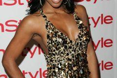 Kelly Rowland mit Achselhaaren