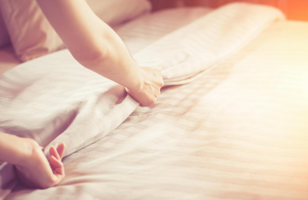 Matratze reinigen: Hausmittel und Tipps | BRIGITTE.de