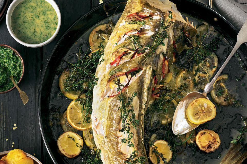 Ganzer Fisch vom Blech