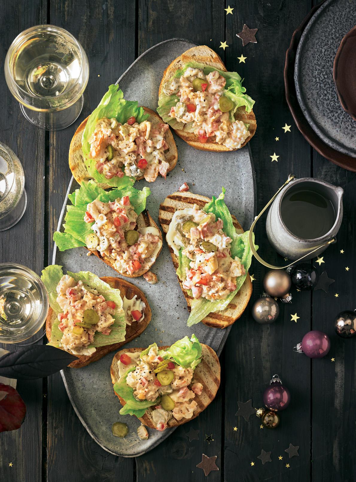 Langustinen-Salat auf gegrilltem Brot