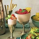 Rote-Bete-Hummus mit Nacho-Chips