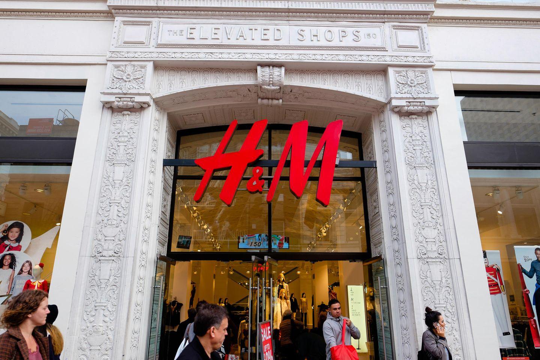 H&M-Logo an Ladengeschäft
