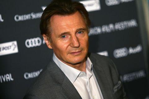 Liam Neeson spricht mit seiner toten Ehefrau