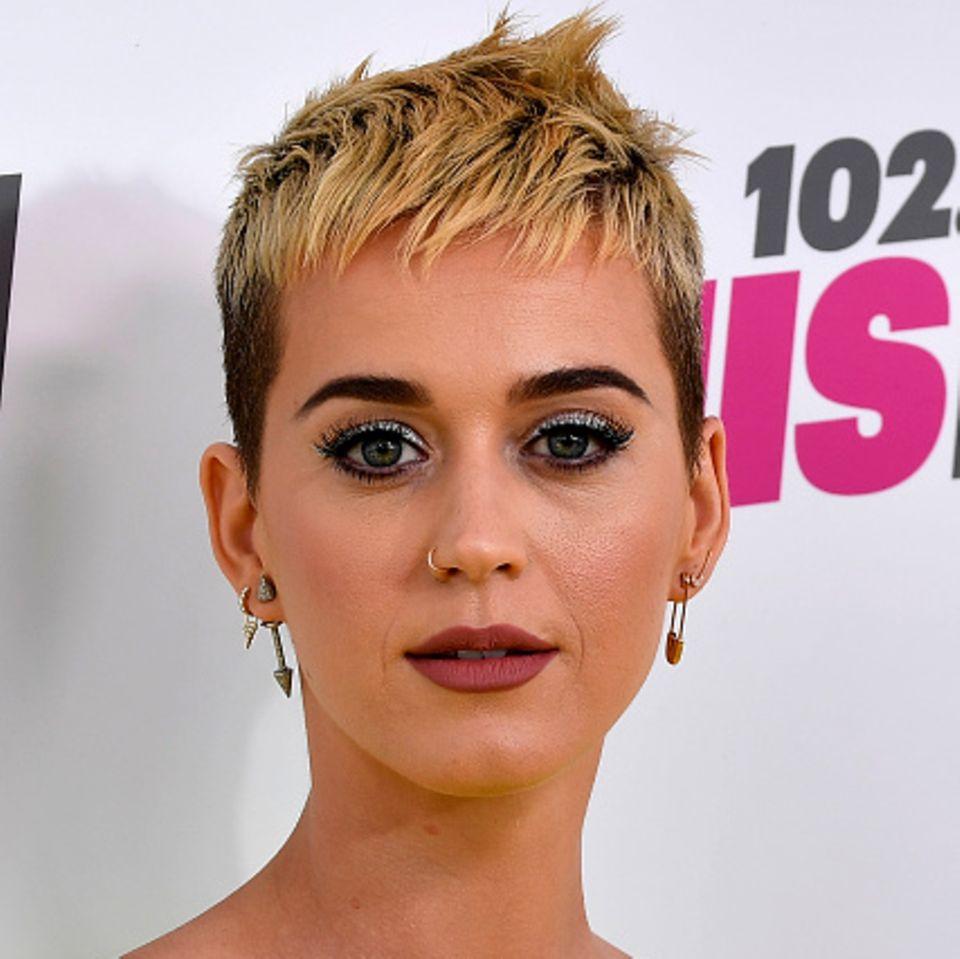 Katy Perry mit unreiner Haut