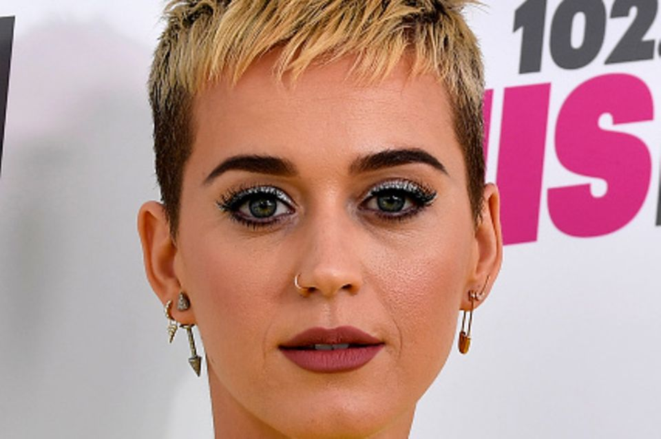 Katy Perry mit unreiner Haut