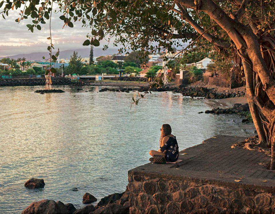 Abendstimmung: Saint-Pierre ist die sympathisch-verschlafene Hauptstadt der Insel
