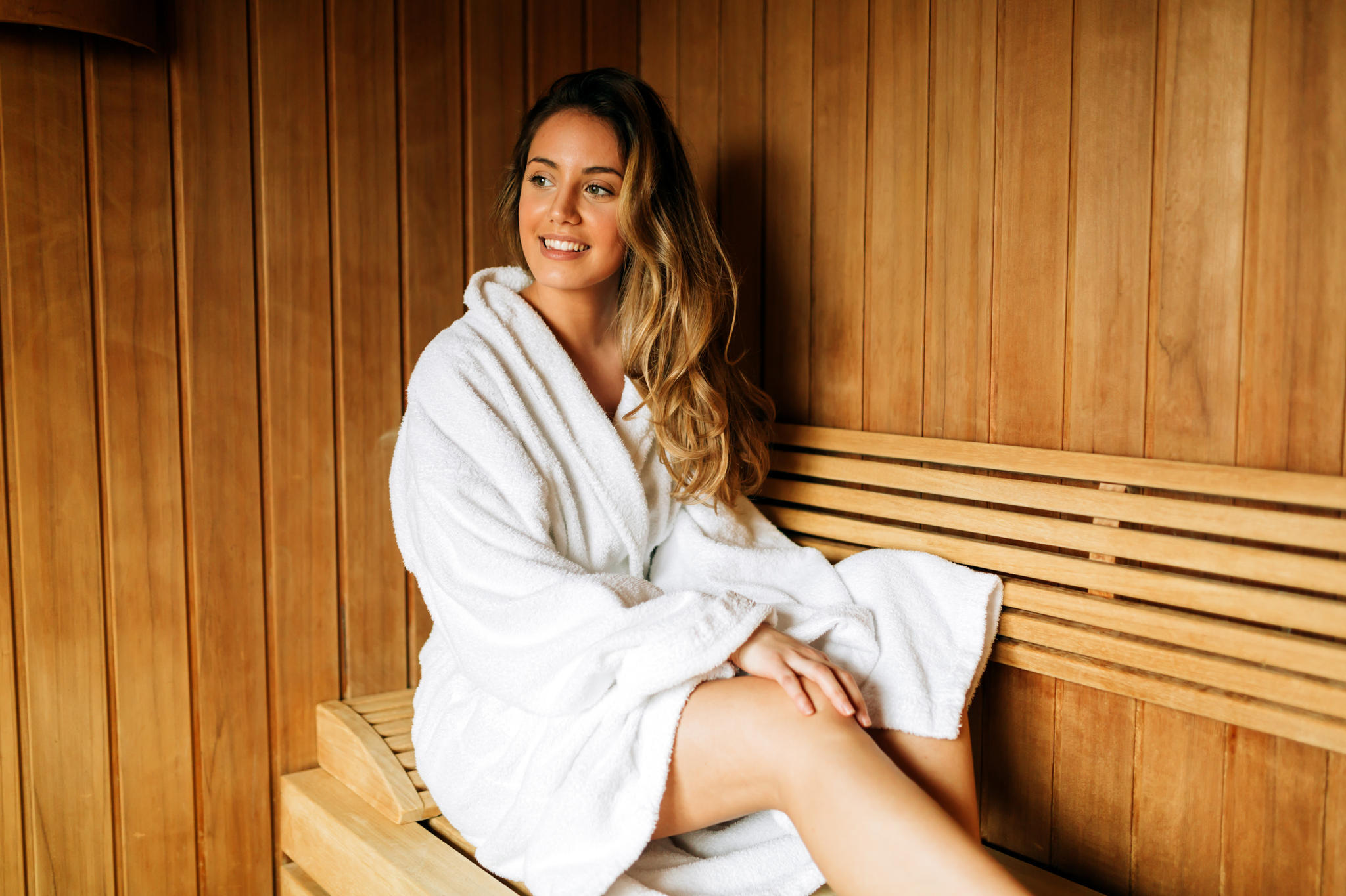 So richtig ins Schwitzen kommen - das funktioniert in der Sauna. Und gibt negativen Gedanken und Stress keinen Raum.