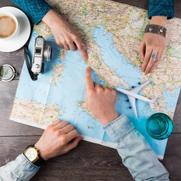 Wo lässt es sich besser relaxen, als im Urlaub? Falls demnächst kein neues Reiseziel auf dem Programm steht, greift zur Landkarte und überlegt euch, wohin euer nächster Trip gehen soll. Und schon träumt ihr von fremden Kulturen und aufregenden Abenteuern ...