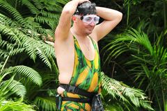 Matthias Mangiadingsbums kneift bei der Dschungelprüfung.