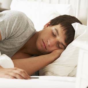 Schlafender Teenager (Symbolbild)