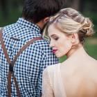 Er will nicht heiraten: Frau lehnt sich an Partner
