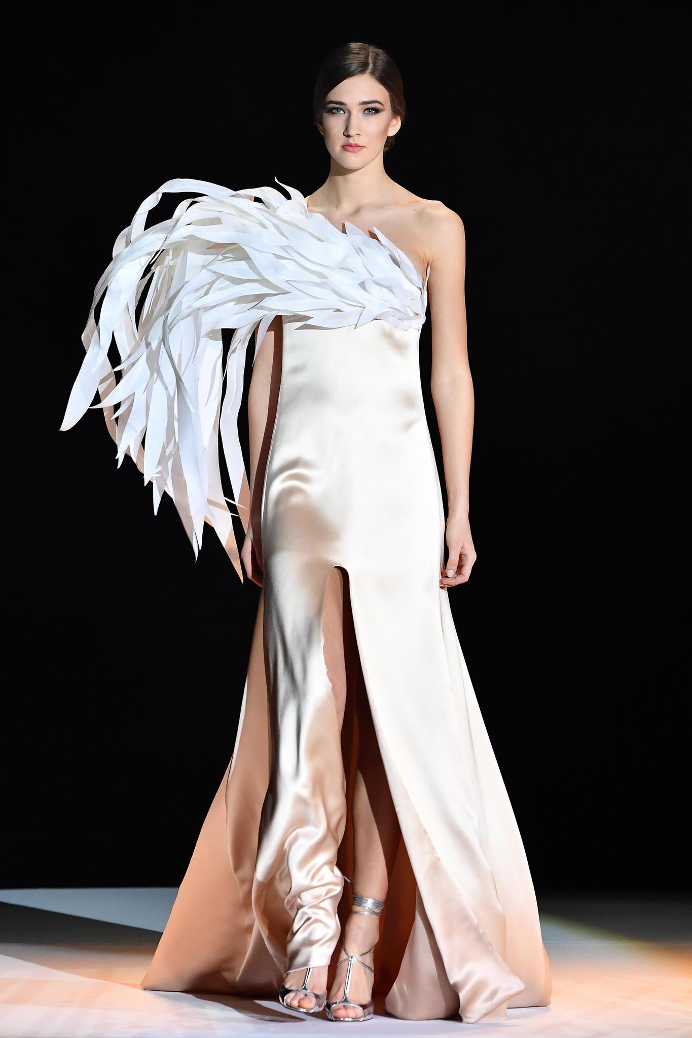 Paris fashion week haute couture die traumhaftesten roben for Haute couture garments