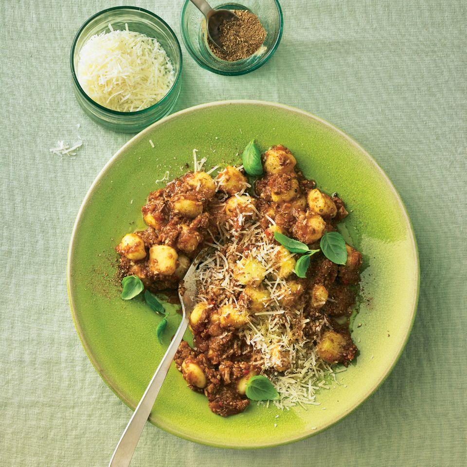 Gnocchi mit Pilz-Bolognese