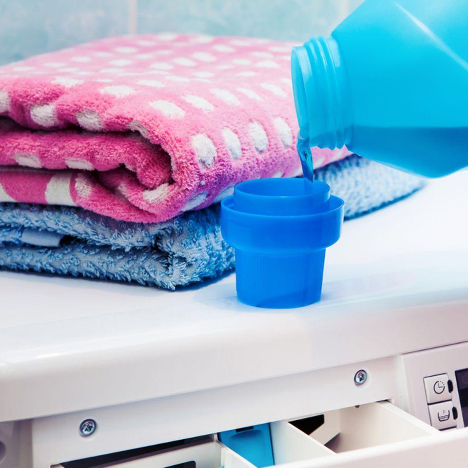 Waschmaschine stinkt: Waschmaschine mit Weichspüler