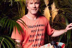 Ansgar und sein Longboard - eine Liebe, die über die Grenzen des Dschungels hinaus geht <3