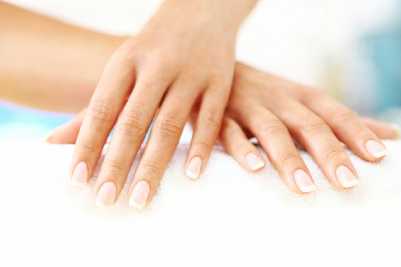 Nail Bleaching – So werden Fingernägel strahlend weiß