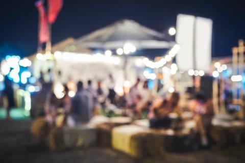 Wer feiert besser: Stadt oder Land? – Das Experiment