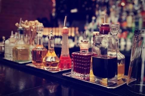 Shake it! : 6 Drinks, die jede Hausbar können muss