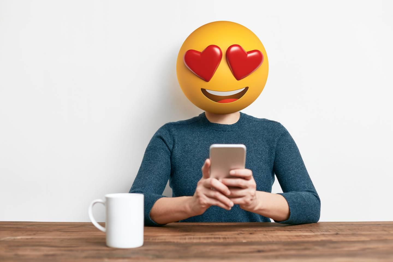 Einhorn, Nase, Heulsmiley: Mama und ihre Emoji-Eskalationen!