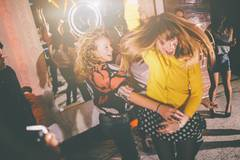 Lasst uns tanzen! Wie wir den Hintern von der Couch kriegen