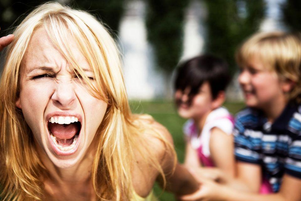 Erziehungsberechtigte, weiblich, unbezahlt: Als Mutter ist man immer der Arsch!
