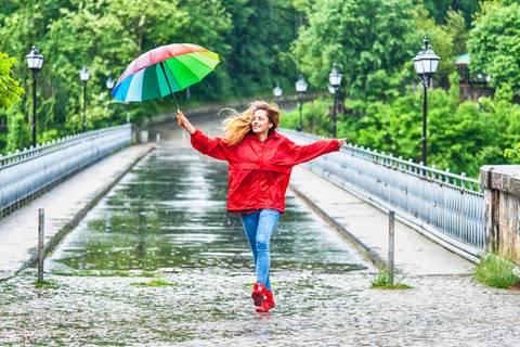 Wer im Regen tanzt, ist ein wahrer Held!
