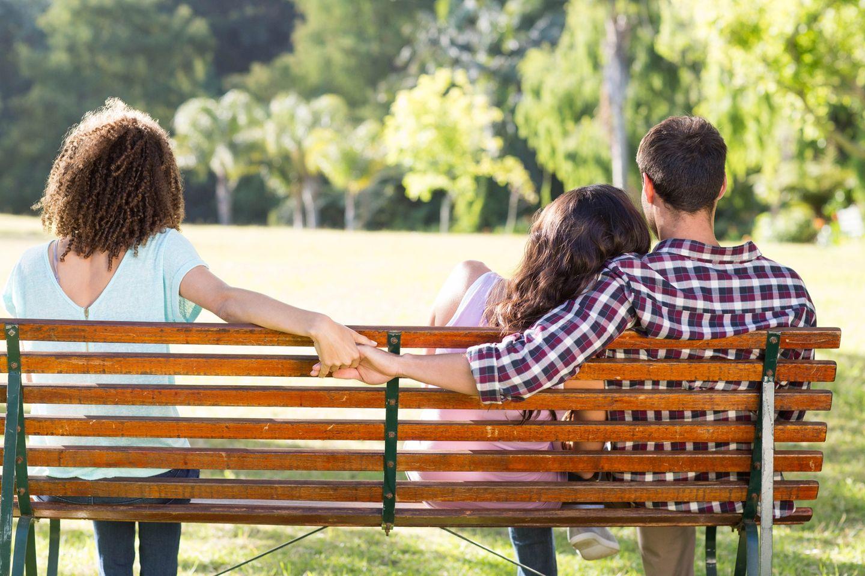 Polyarmorie: Beziehungsstatus: Zu dritt