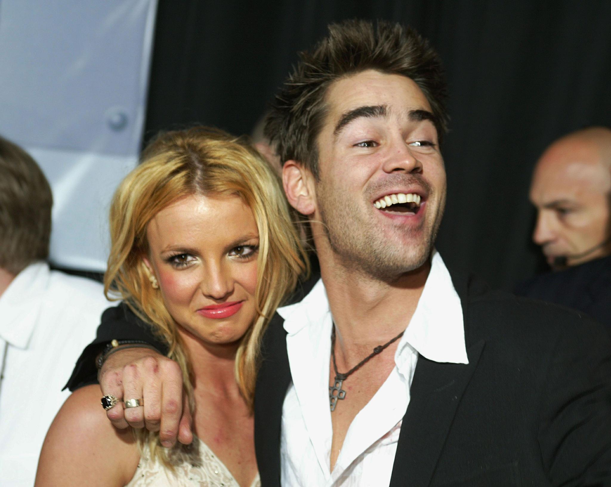 Nach der Trennung von Justin Timberlake tröstete sich Britney Spears 2003 mit Colin Farrell.