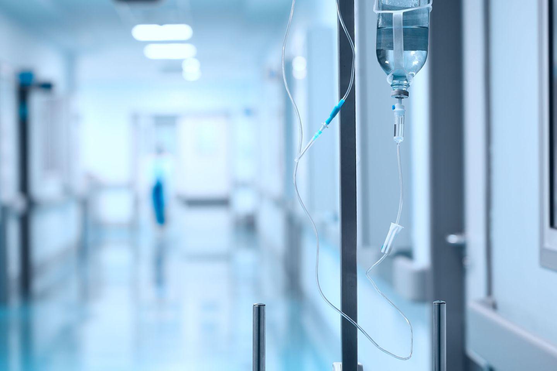 Tod durch Masturbation: Krankenhausflur