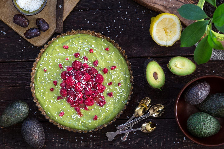 Paleo-Diät: Kuchen mit Himbeeren, Avocado und Zitrone