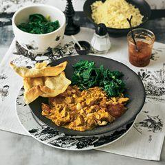 Lammcurry mit Aprikosen und Mandeln