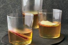 Whisky-Apfel-Punsch