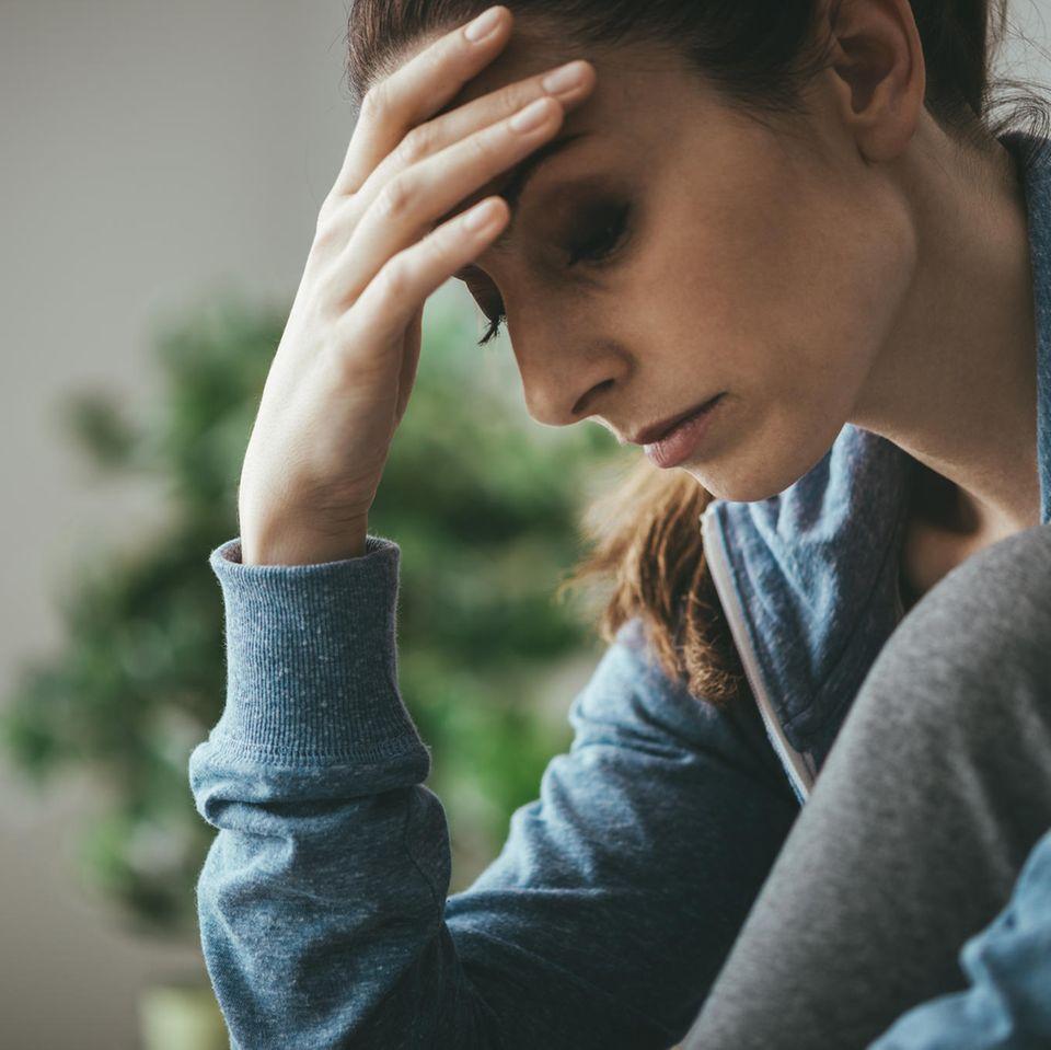 Depression: Frau mit nachdenklichem Ausdruck