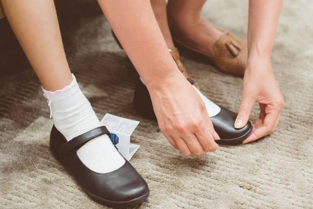 Ein Alter In Kind Schuhe Welchem Viele KinderschuheWie Braucht XiZuPk