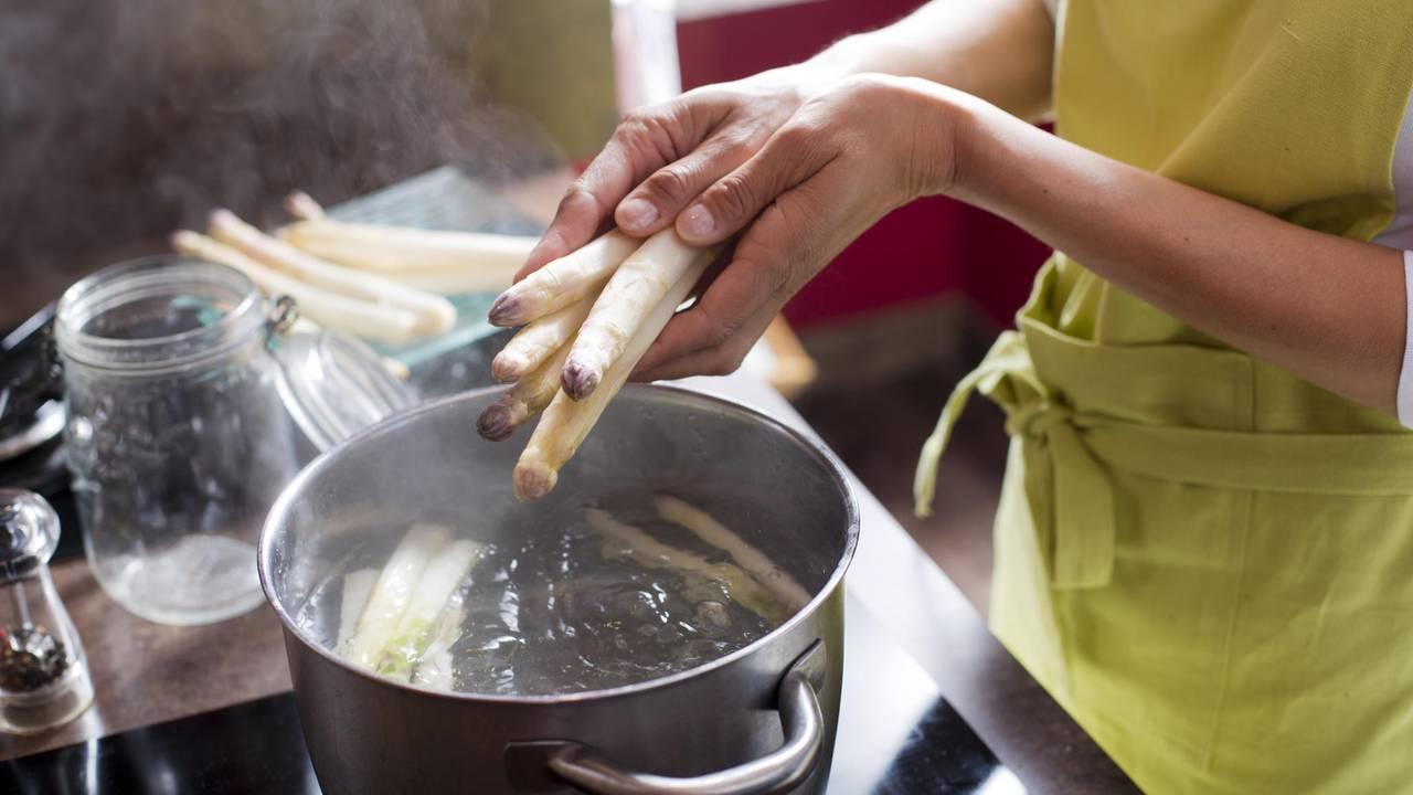 Spargel Kochzeit Wie Lange Muss Spargel Kochen Brigittede