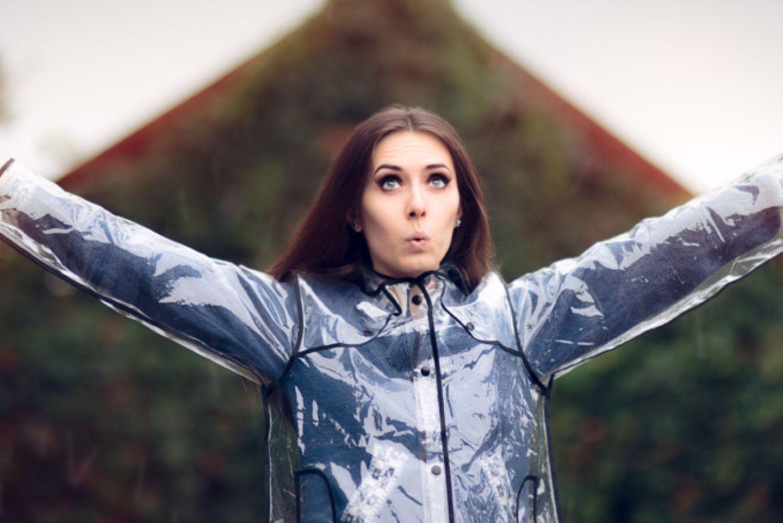 Voll hip: Durchsichtige Mäntel –  Heute schon in Klarsichtfolie gewickelt?