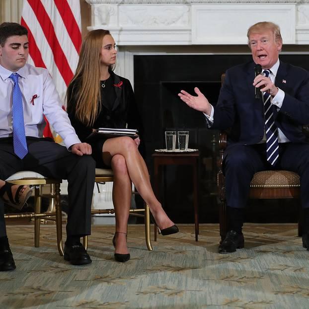 Trump trifft sich nach Massaker mit Schülern und Lehrern
