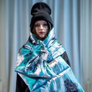 Mailänder Modewoche: Schal bei der Show von Grinko